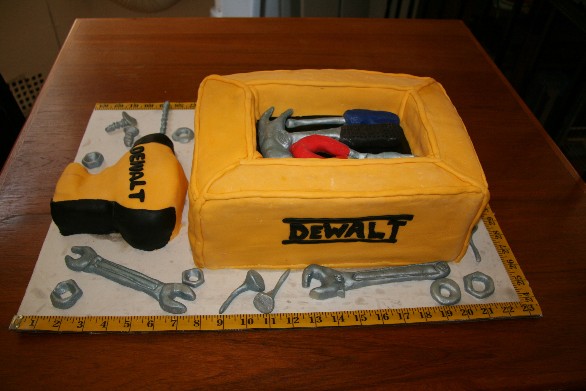 Pictures Of Auto Mechanic Cake Ideas